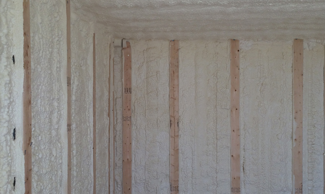 Why Choose Closed Cell Spray Foam Insulation For Fl Homes